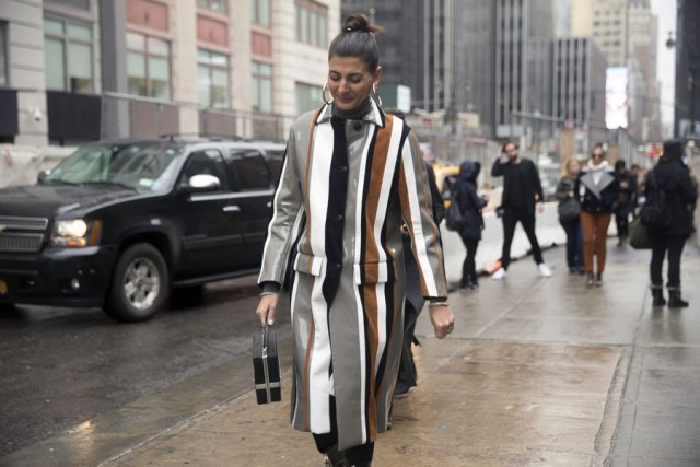 what to wear in the rain-striped coat-box bag-oversized hoop earrings-nyfw street style-rack