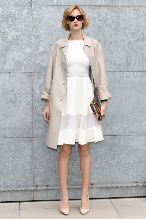 winter to spring dressing-lwd-white dress trench coat-spring summer work outfit-mfw street style-laydylike-hbz