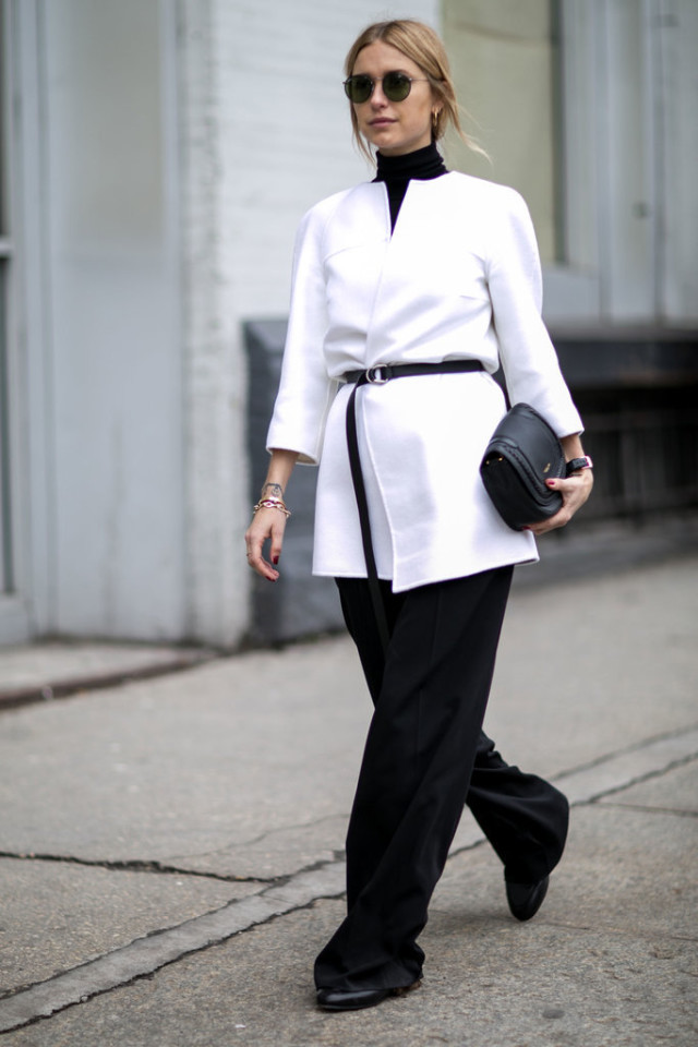 winter to spring dressing-transitional dressing-black and white-white blazer-belted blazer-turtleneck-look de pernille-work outfit-belted jacket-nyfw street style-ps