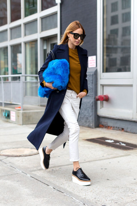 work weeekend outfit-green-platform loafers-creepers-fur bag-colored fur-navy coat-white jeans in winter-winter whites-hbz-nyfw street style