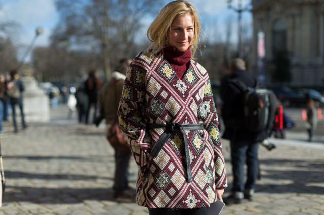 belted tunic-printed tunic-layers layering-winter to spring transitional dressing-turtleneck sweater-pfw street style-hbz
