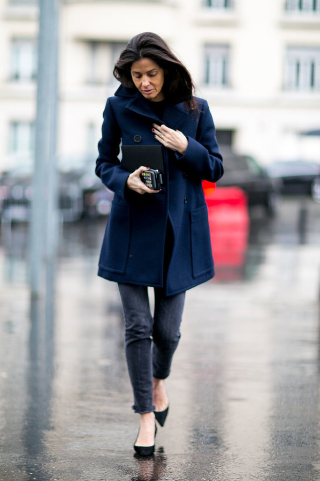 black skinnies-pumps-black pumps-navy coat-french style-pfw street style-ps-weekend