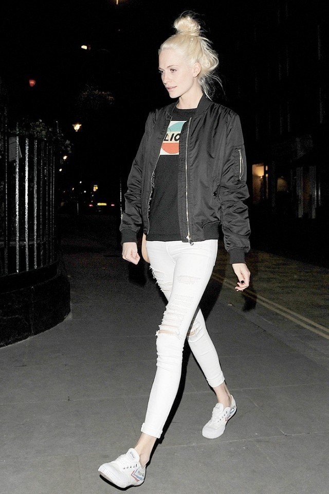 graphic tee-white jeans-shredded denim-baseball jacket-bomber jacket-poppy delevingne-sneakers-weekend-night out-movie date-www