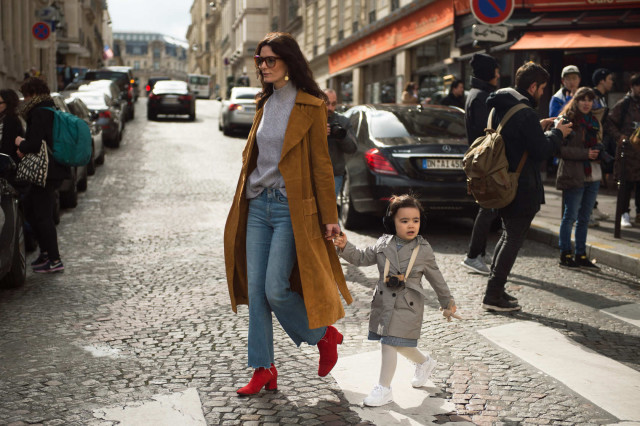 mom style, cropped jeans and booties, suede coat, grey turtleneck, paris fashion week street style