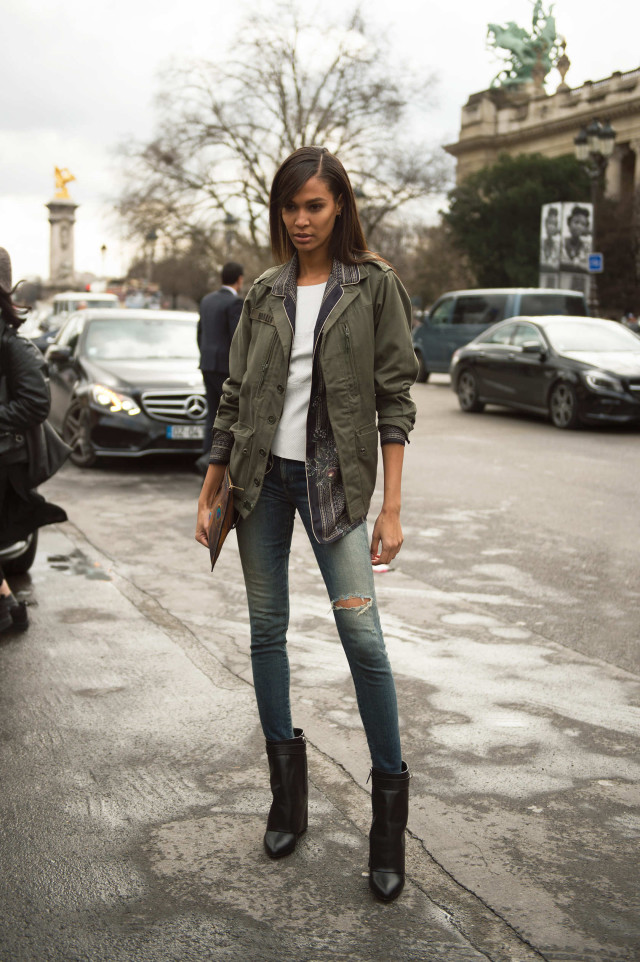 army jacket, model off duty style, lace up boots, joan small, model off duty style, paris fashion week street style, weekend outfit