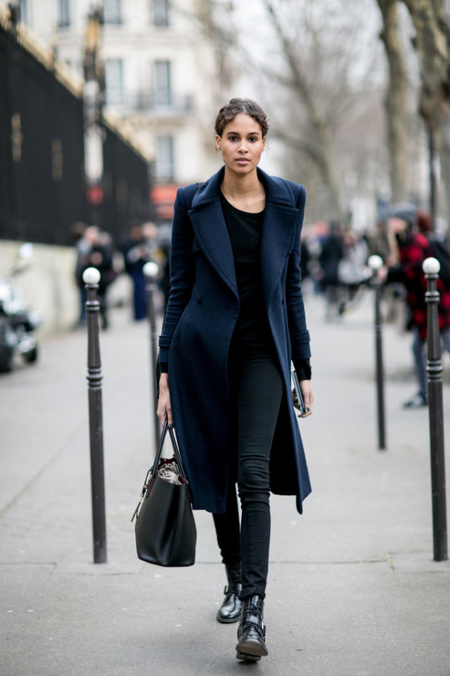 navy coat-black and navy-weekend outfit-work outfit-black skinnies-tote-pfw street style-ps-lace up boots