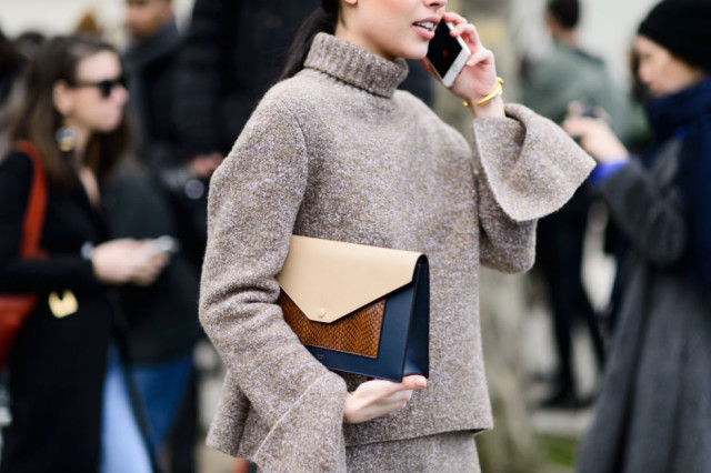 oversized cuffs-turtleneck swaeter-sweater set-skirt and sweater set-pfw street style-elle