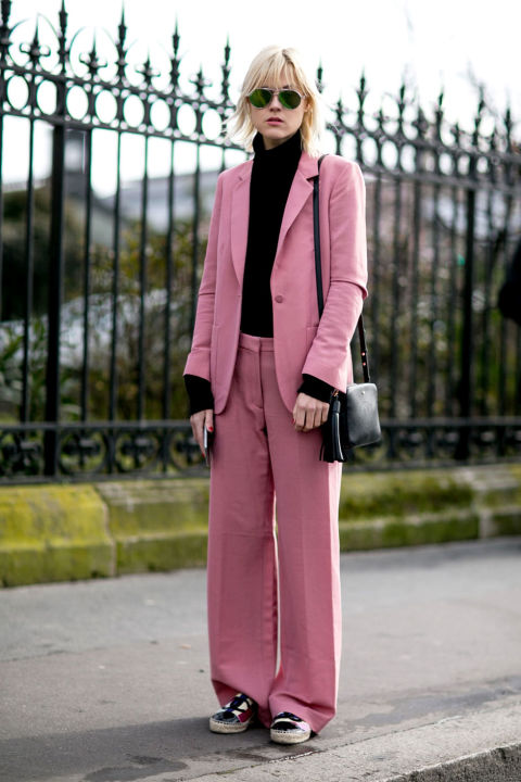 pink pantssuit-blush pink-blakc and pink-slouchy pantssuit-pfw street style-cosmo