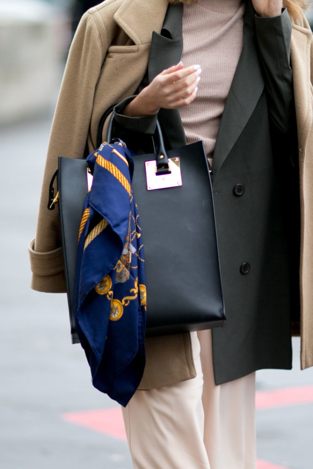 scarf on bag-pfw street style-ps
