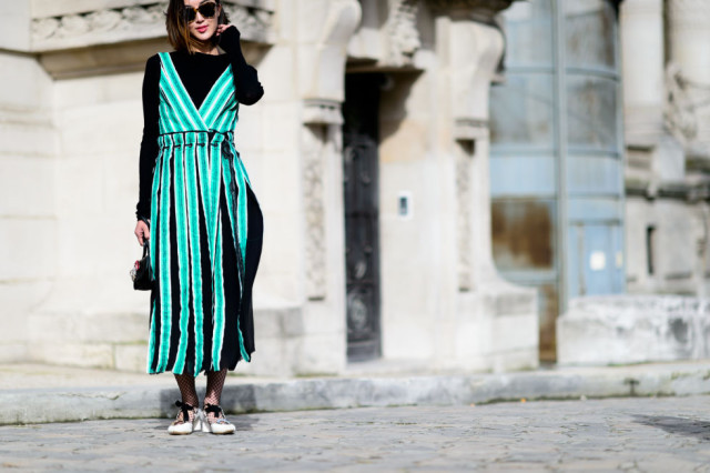 winter to spring transitional dressing-fishnets-colorblock-vertical stripes-carwash pleats-pfw street style-elle-pleated dress-aimee song