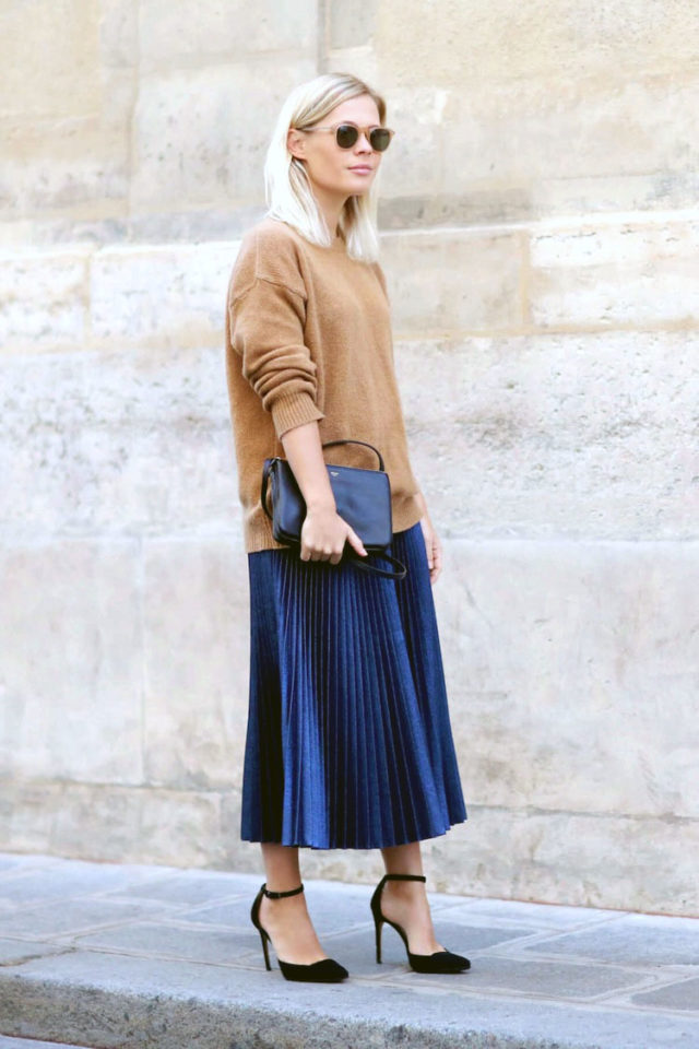 pleated midi skirt-oversized sweater and skirt-work outfit-metallic skirt-accordion pleats-