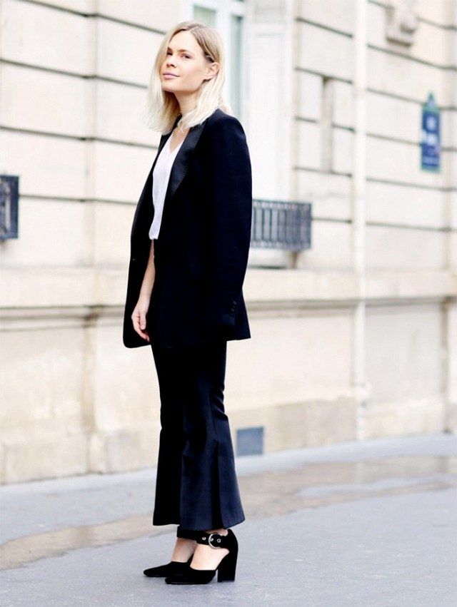 cropped flares-jacket on shoulders-maryjanes-blakc and white-what to wear to work-work outfit-