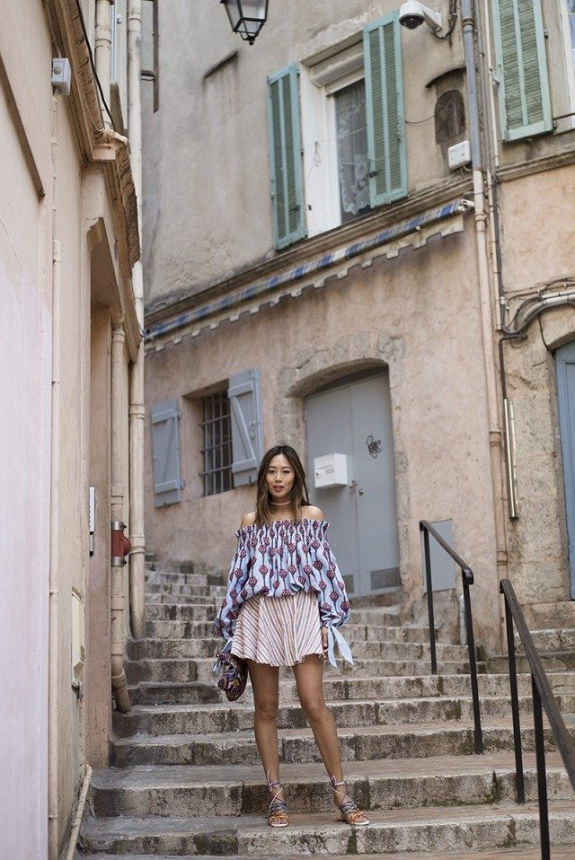 off the shoulder top-mixed prints-tie sleeves-lace up sandals-amy song--summer outfit-giong out night out
