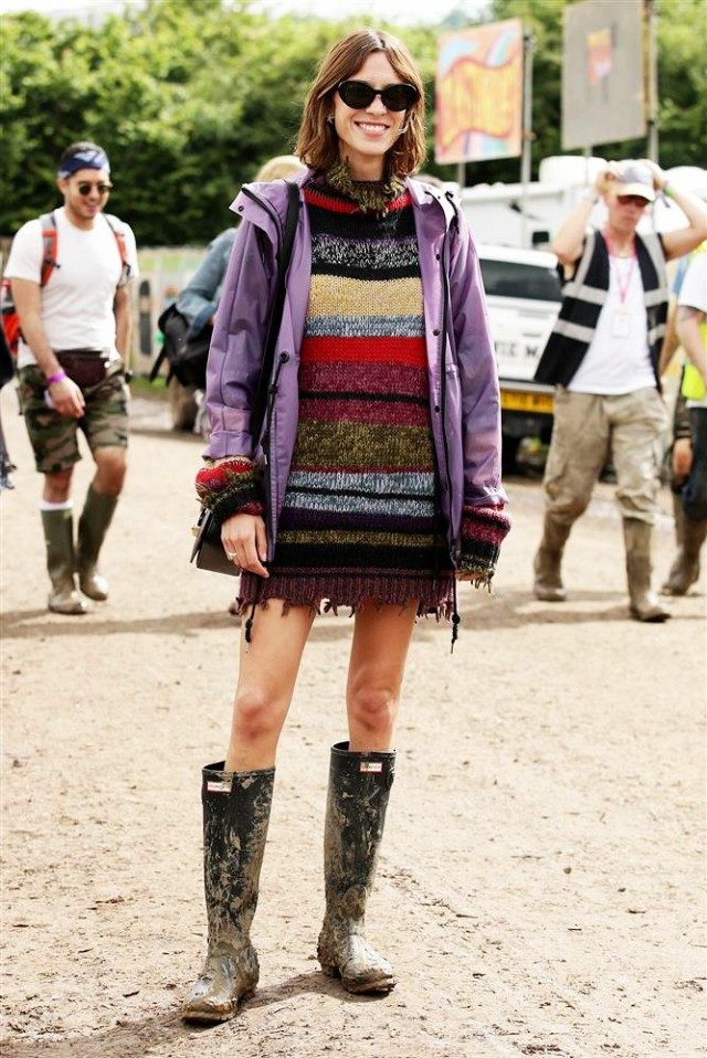 alexa chung-wellies-glastonbury-rain coat-www