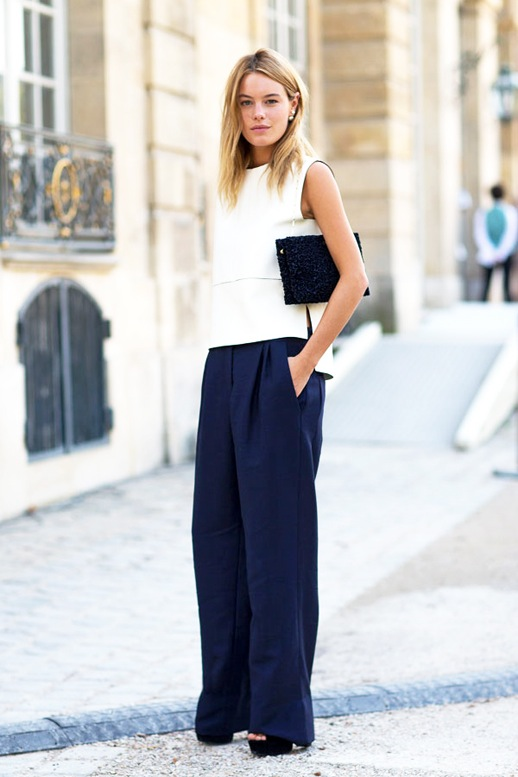 navy and white-platform sandals-summer work outfit-hbz-camille rowe-minimalist-wide leg pants