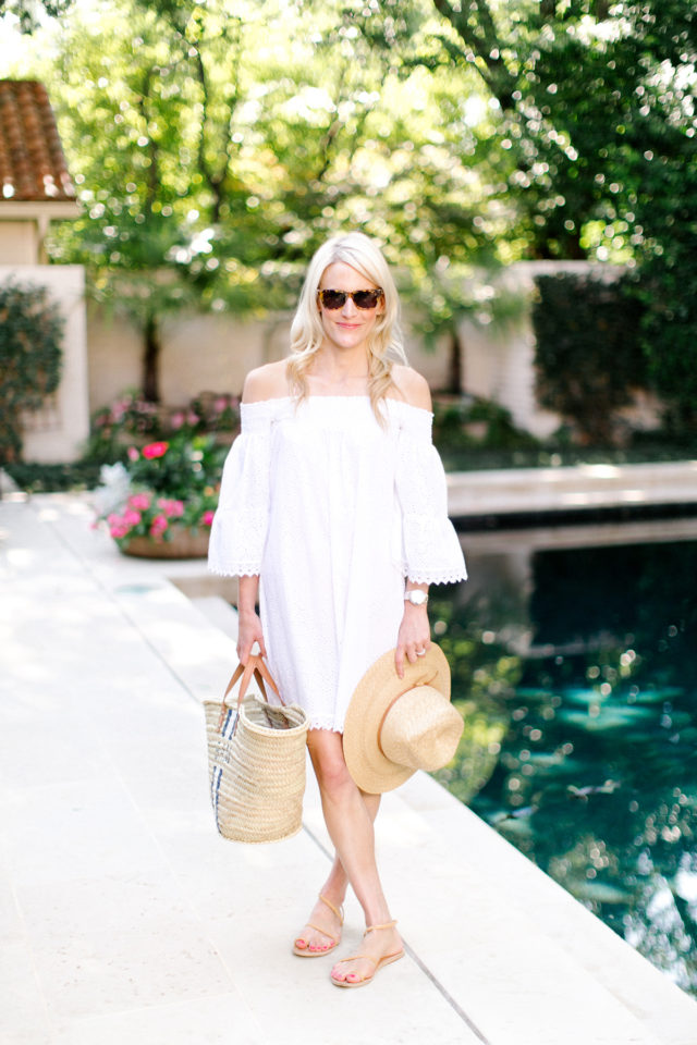 what to wear to a pool party