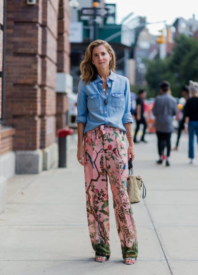 marina-larroude-floral-pants-fall-florals-chambray-shirt-printed-pants-summer-to-fall-transitional-dressing-nyfw-street-style-ps