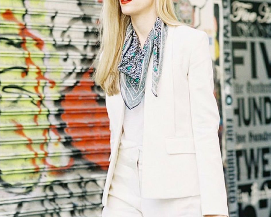 9ce8a3e3ca2 20 Ways To Wear White Blazers This Summer