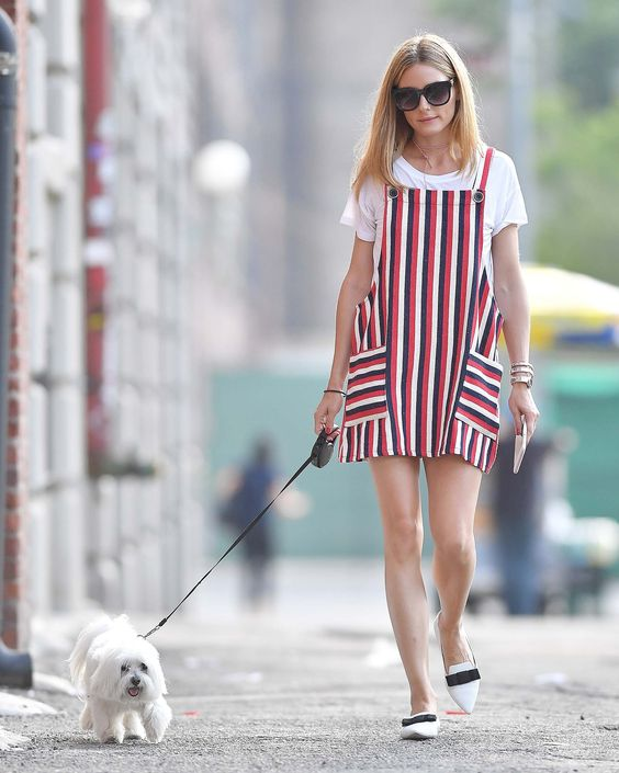 olivia palermo-striped jumper-black and white-summer work outfit-dog walking-summer-