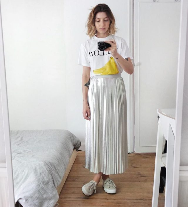 pleated metallic skirt-miid skirst and graphic tees-sneakers and skirts-august outfit-work outfit-summer-ref
