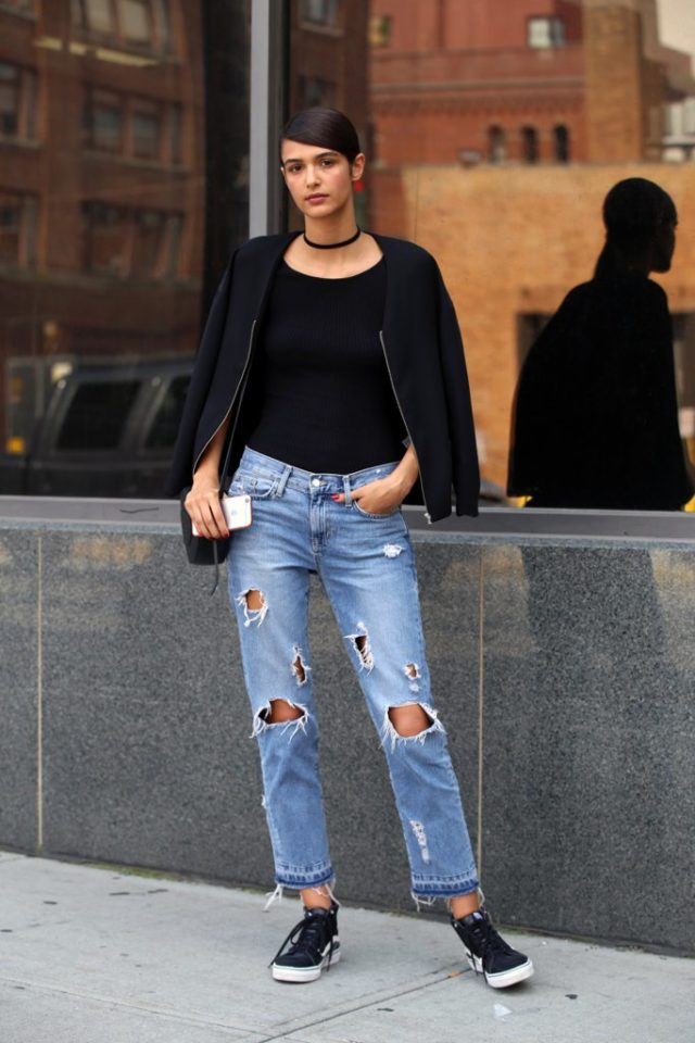 bomber-jacket-choker-sneakers-high-tops-destroyed-denim-distressed-denim-mom-jeans-high-waisted-jeans-nyfw-street-style-ps