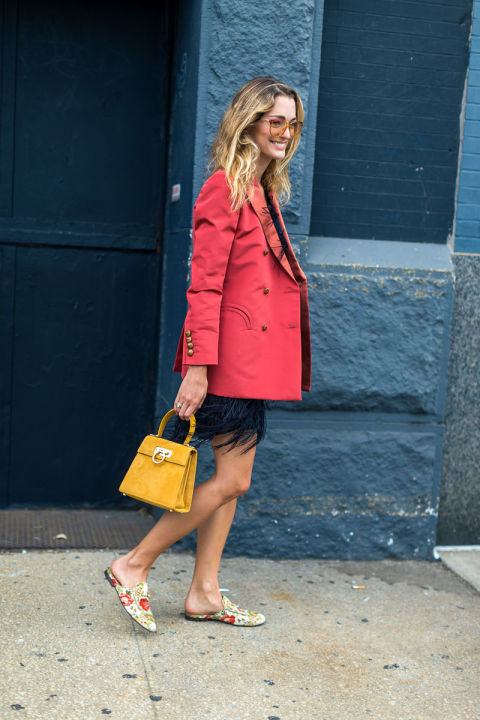 mules-printed-mules-top-handle-bag-ringe-skirt-red-blazer-jacket-nyfw-street-style-fall-fashion-hbz-fall-work-outfit