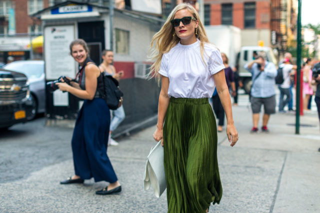 pleated-skirt-fall-work-outfit-kate-foley-fall-outfit-nyfw-street-style-hbz