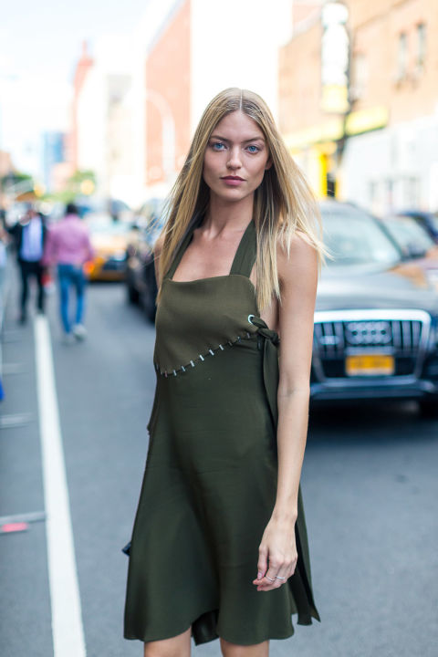 stiches-army-green-apron-dress-nyfw-street-style-hbz-night-out
