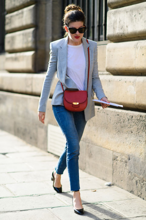 paris fashion week street style ss 2017, leah chernikoff, jean and tee, blazer, fall work outfit, fall weekend
