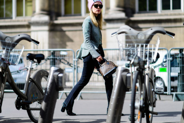 paris fashion week street style ss 2017, fall weekend, fall work, beanie, look de pernille