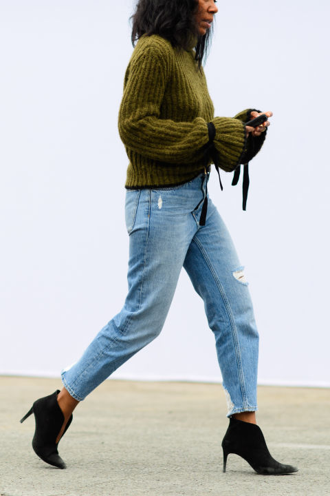 paris fashion week street style ss 2017, mom jeans, bell sleeves, booties, fall work outfit, fall weekend outfit, olive green, army green