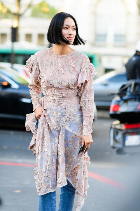 paris fashion week street style ss 2017, dres over pants, lace, ruffles, blush pink