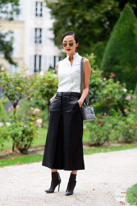 paris fashion week street style ss 2017, leather midi skirt, fall work outfit, black and white
