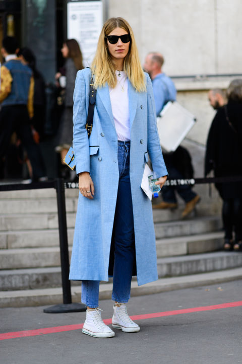 paris fashion week street style ss 2017, converse sneakers high tops, mom jeans, white tee, pastel blue coat, weekend outfit, fall, paris fashion week street style ss 2017,