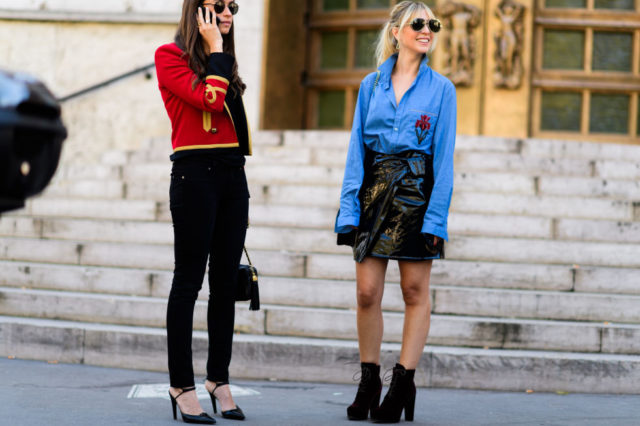 paris fashion week street style ss 2017, booties, oversized shirt, oxford shirt, military jacket