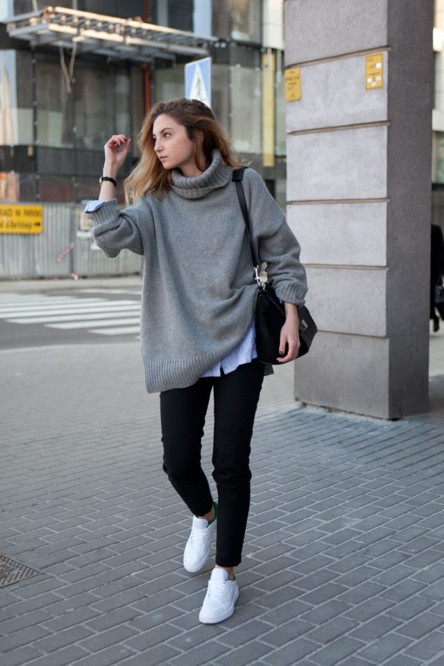 fashion-muggin-fall-weekend-outfit-oversized-sweater-turtleneck-sweater-black-skinnies-white-sneakers-fall-layers-sweater-over-button-up-