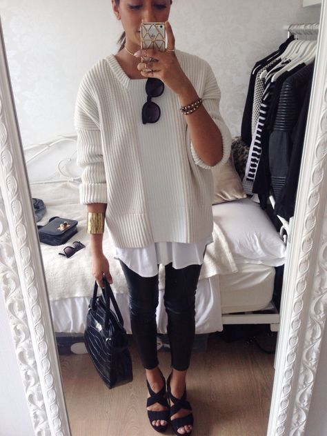 leggings-as-pants-layers-oversized-sweater-weekend-