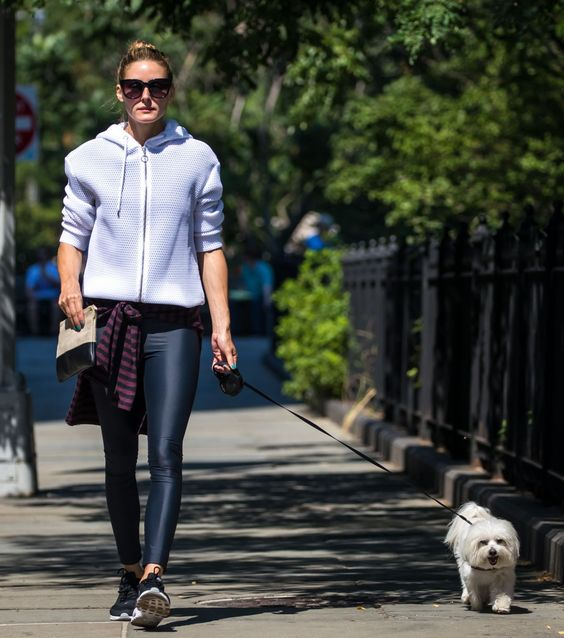 leggings-as-pants-workout-weekend-dog-walking-olivia-palermo-
