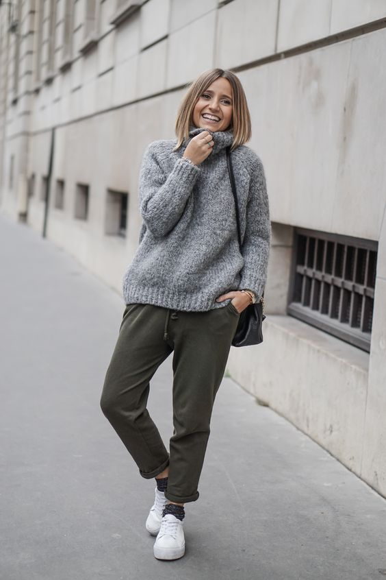 winter-weekend-outfit-chunky-oversized-sweater-joggers-sweats-