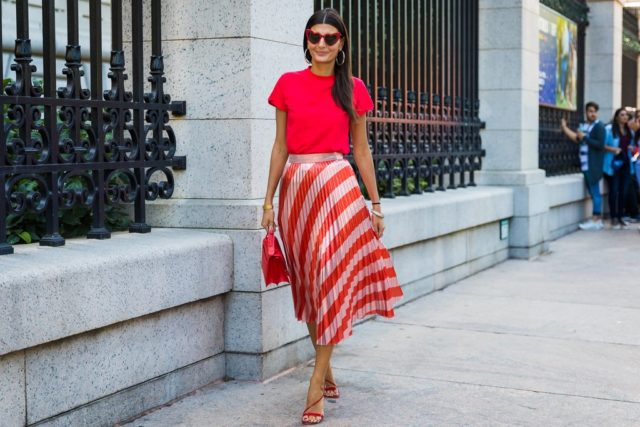 a6e3861880503 30+ Ways To Style a Pleated Skirt – Closetful of Clothes