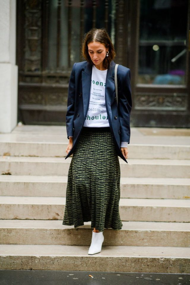 pleated skirt with trainers